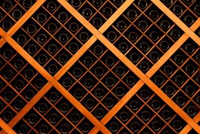 Fototapeta Ściana butelek wina