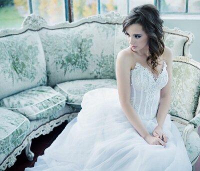 Fototapeta Sensual młoda panna młoda po wesele