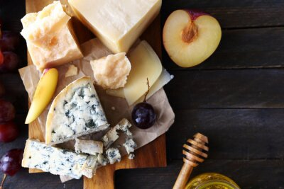 Fototapeta ser z owoców do przystawek