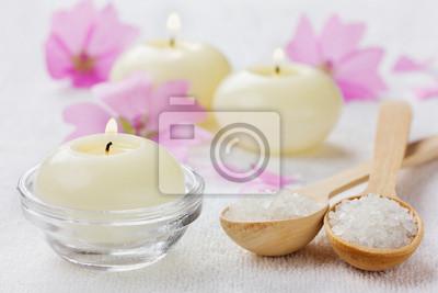 Skład spa z soli morskiej w łyżka, obniża i świec
