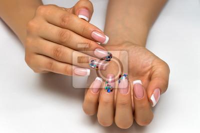 ślub Francuski Biały Manicure Z Błyszczymi Konfetti Na Długie