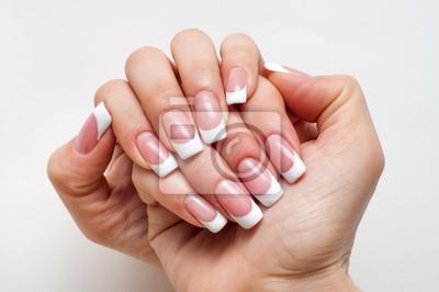 ślub Francuski Manicure Na Długie Kwadratowe Paznokcie Fototapeta