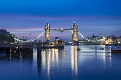Fototapeta Słynny Tower Bridge w nocy, Londyn, Anglia, Wielka Brytania