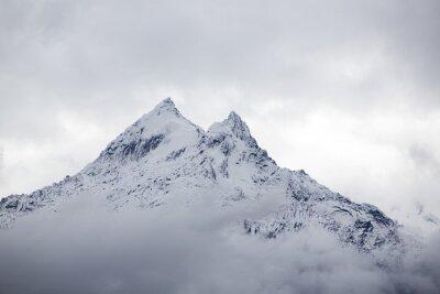 Fototapeta Śnieg pokryte szczyt w Cordillera Blanca, Peru