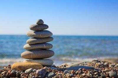 Fototapeta Spa kamienie równowagi na plaży.