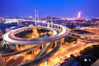 Fototapeta Spirala most w Szanghaju rzeki Huangpu na widok z lotu ptaka o.