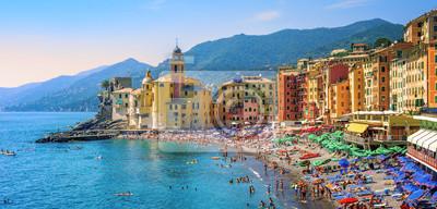 Fototapeta Śródziemnomorska plaża w Camogli, Liguria, Włochy