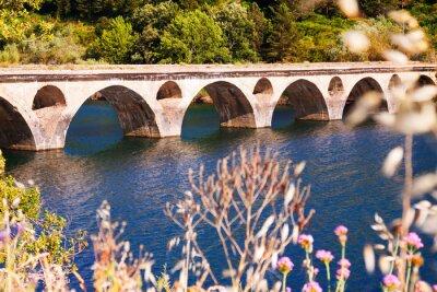Fototapeta Stary most nad jeziorem