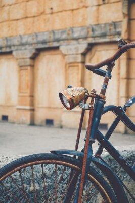 Fototapeta Stary zardzewiały rower