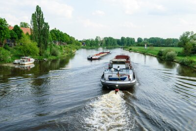 Fototapeta Statki na rzece Weser w Nienburg
