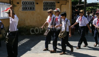 Fototapeta studenci w starożytnego miasta Hoi An, Wietnam