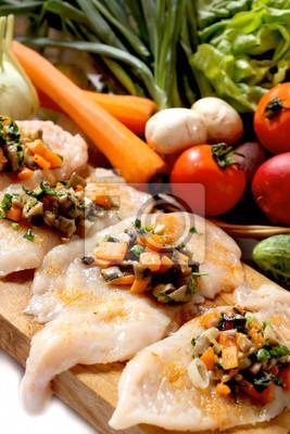 Fototapeta surowe piersi z kurczaka wypełnione warzyw dekoracji