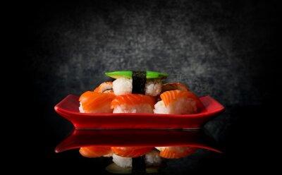 Fototapeta Sushi na płycie czerwony