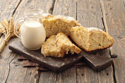 Fototapeta świeże domowych bochenek chleba z mlekiem