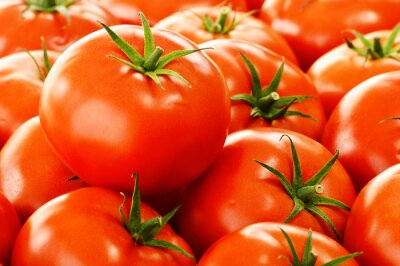 Fototapeta Świeże organiczne pomidory na straganie ulicznym
