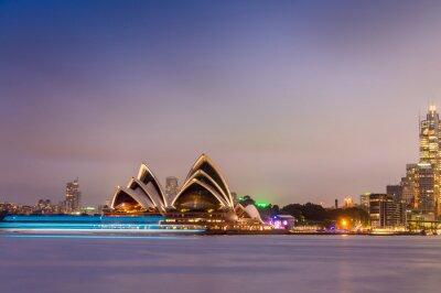 Fototapeta SYDNEY - 12 października 2015: Iconic Sydney Opera House jest mu
