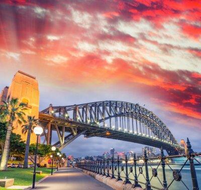 Fototapeta Sydney Harbour Bridge z pięknym zachodem słońca, NSW - Australia