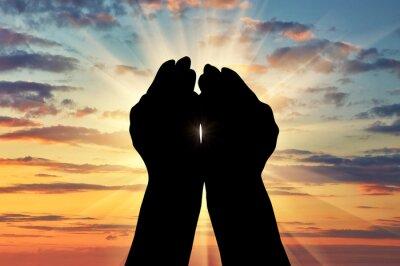 Ręce ku niebu