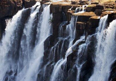 Fototapeta Szczegółowo spadającej wody Victoria Falls. Close-up. Mosi-oa-Tunya Park Narodowy. oraz Światowego Dziedzictwa UNESCO. Zambiya. Zimbabwe. Doskonałą ilustracją.