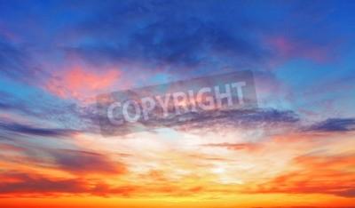 Fototapeta Tekstura z jasnym niebie wieczorem podczas zachodu słońca
