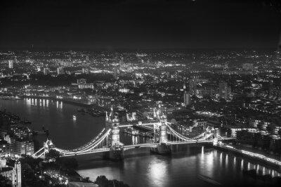 Fototapeta Tower Bridge w nocy światła, Londyn