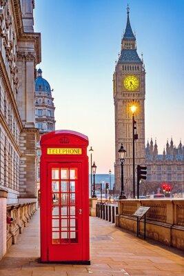 Fototapeta Tradycyjne czerwone budki telefoniczne i Big Ben w Londynie