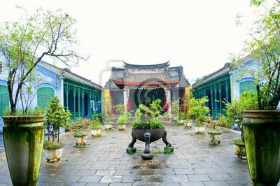 Fototapeta Tradycyjny pagoda w ulicy starożytnego miasta Hoi An, Wietnam. Hoi An to miasto w Wietnamie, na wybrzeżu Morza Wschodniego.