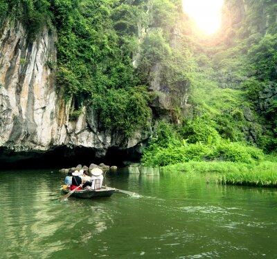 Fototapeta Turystyczny jacht najbardziej popularne miejsce w Wietnamie.