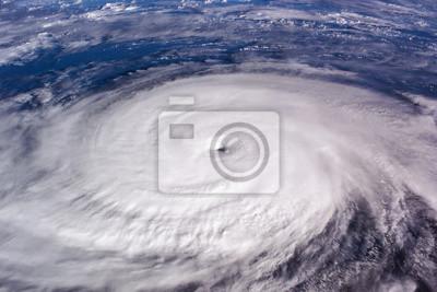 Fototapeta Typhoon nad planetą Ziemia - zdjęcie satelitarne.