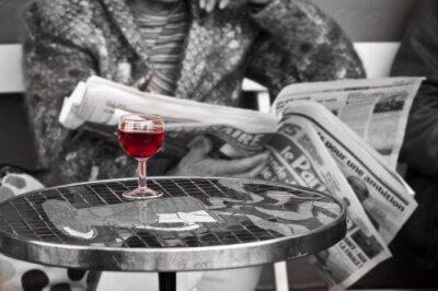 Fototapeta Verre de vin dans un bistro - Paryż, Francja