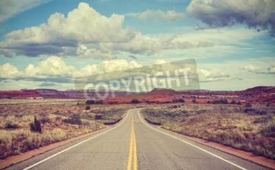 Fototapeta Vintage stylizowane pustyni drogowego, koncepcja podróży.