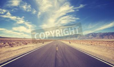 Fototapeta Vintage stylu country highway w USA, pojęcie przygody podróży.