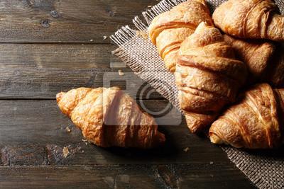Fototapeta vista dall'alto croissant o cornetti su tavolo di Legno Rustico