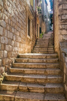 Fototapeta Wąska ulica i schody na Starym Mieście w Dubrowniku, Chorwacja, Morza Śródziemnego otoczenia