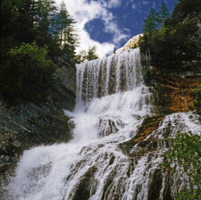 Fototapeta watterfall 01 / Wodospad górskich w Dolomitach - północne Włochy