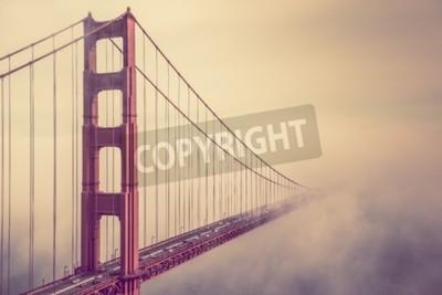 Fototapeta We mgle. San Francisco Golden Gate Bridge Foggy Scenery.