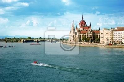 Węgierski parlament w Budapeszcie
