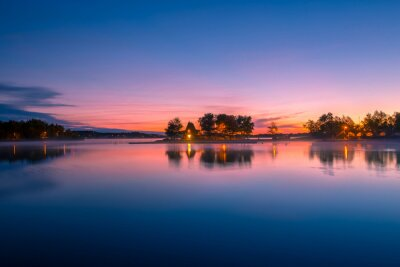 Fototapeta Widok domku nad jeziorem w Ontario w Kanadzie