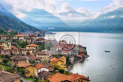 Fototapeta Widok jeziora Como, Mediolan, Włochy, Alp góry w backgrou