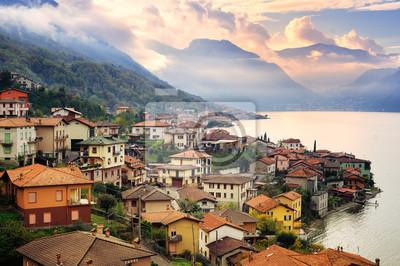 Fototapeta Widok jeziora Como, Mediolan, Włochy, na zachodzie słońca z gór Alp I