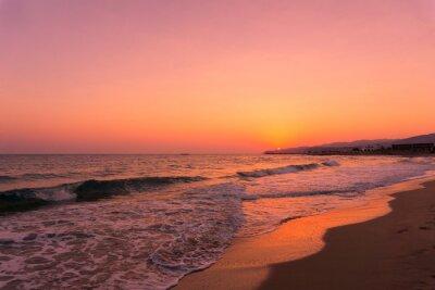 Fototapeta Widok na piękny wschód słońca na plaży