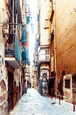 Fototapeta Widok ulicy starego miasta w mieście Neapol