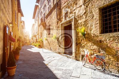 Fototapeta Widok ulicy w mieście Pienza regionu Toskanii we Włoszech