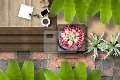 Fototapeta Widok z góry egzotyczna atmosfera Tropical Thai drewnianym patio z zielonymi świeżych lokalnych planów i piękny kwiat na relaks w lecie.