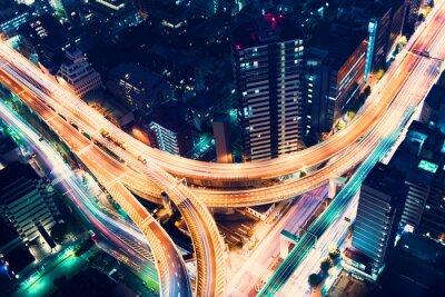 Fototapeta Widok z lotu ptaka-węzeł autostrady w nocy w Tokio, Japonia