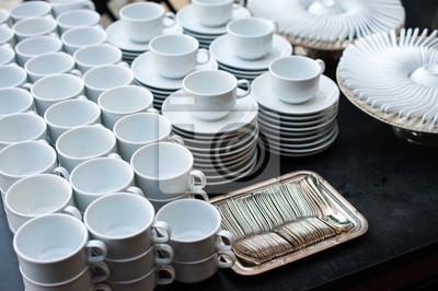 Fototapeta Wiersz Puste Czyste Kubki Filiżanki Kawy Z łyżeczką Ustanowiony