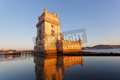 Fototapeta Wieża Belem na zachodzie słońca, Lizbona, Portugalia