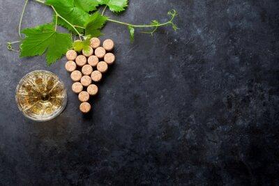 Fototapeta Wina korki kształcie winogron i winorośli