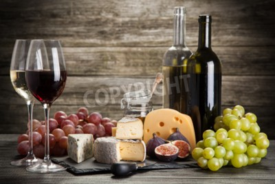 Fototapeta Wino i ser martwa natura