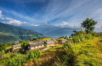 Fototapeta Wioska w górach Himalajach w Nepalu